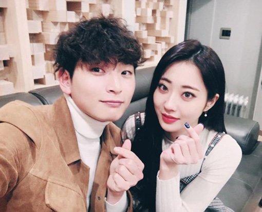Kyung Li & 2AM's Jinwoon break up