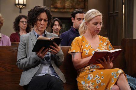 The Conners Season 4 Episode 2 SARA GILBERT, LECY GORANSON